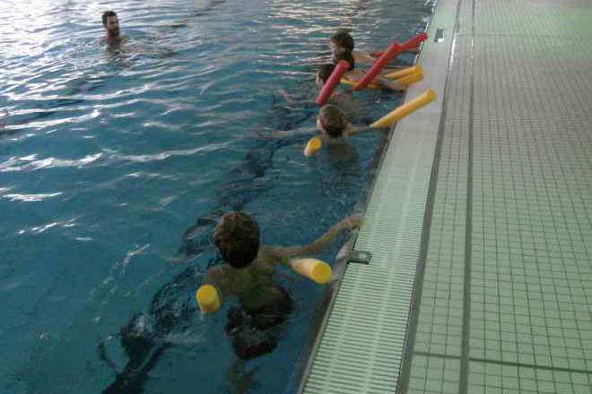 Kinderschwimmkurs bei der Wasserwacht