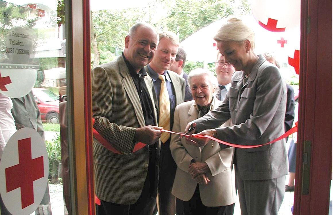 Eröffnung Kleiderladen in Rosenheim 2002