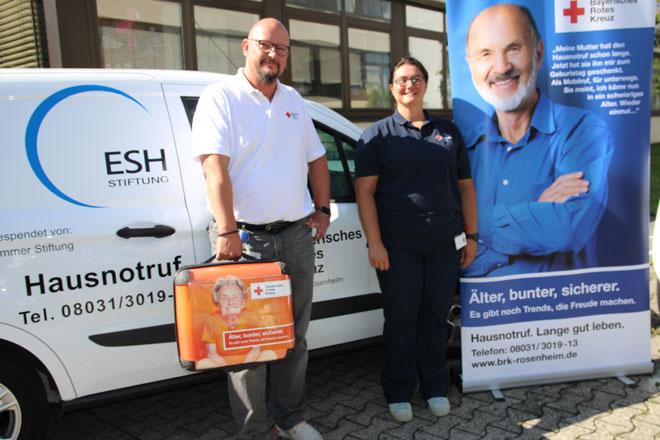 Alexander Wayand und Silvia Leitgeb vom Hausnotruf-Team
